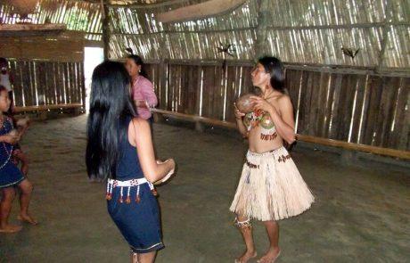 Einheimische im Regenwald, Ecuador