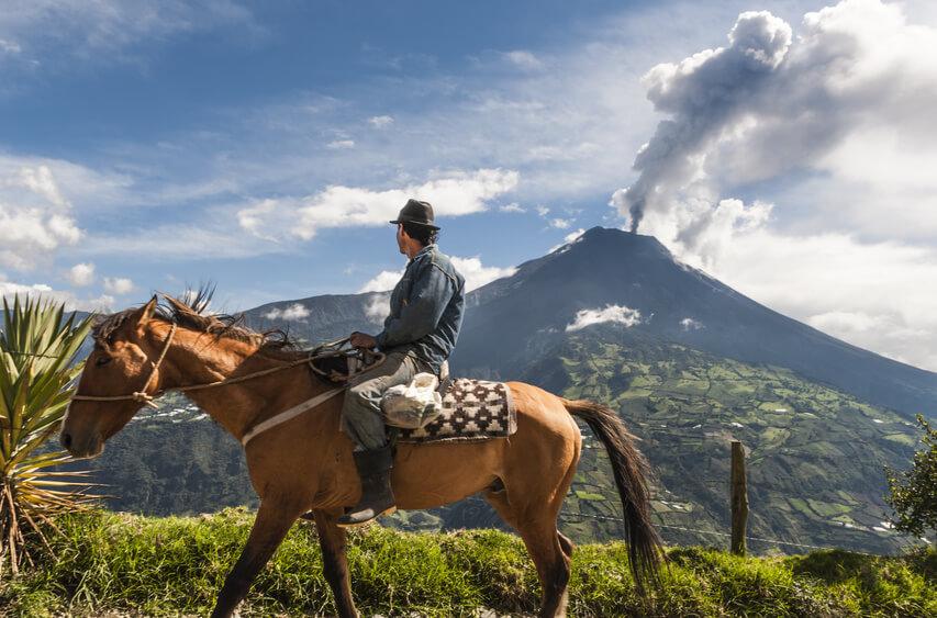 Vulkan Tungurahua bei Baños, Ecuador