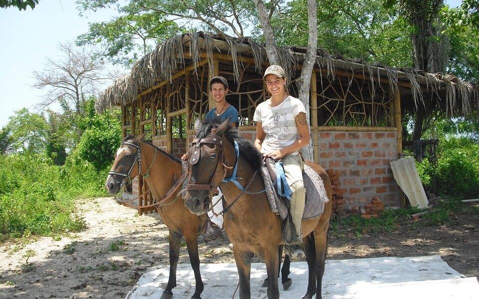 Horseback trip hacienda-eldorado.com Ecuador