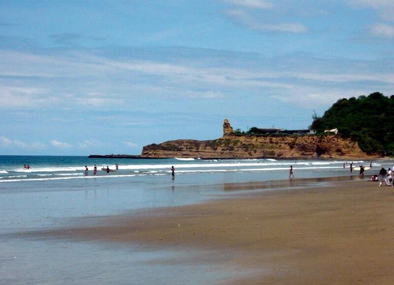 Beach in Montanita, hacienda-eldorado.com Ecuador