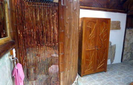 Toilet double and triple rooms, Hacienda El Dorado Ecuador