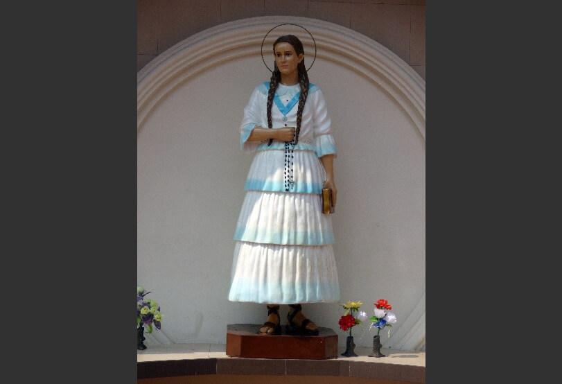 Statue sister Narcisa in Nobol, Ecuador
